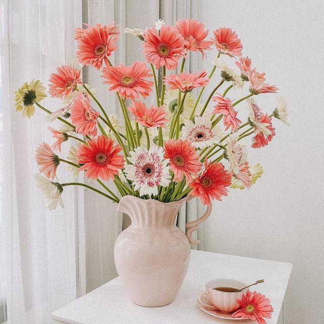 7 loại hoa cúng trên bàn thờ Tết vừa đẹp vừa hợp phong thủy và những kiêng kị khi chọn hoa - Ảnh 3.