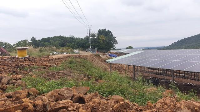 Bóc mẽ loạt dự án điện mặt trời 'núp bóng' nông nghiệp được hợp thức hóa - Ảnh 2.