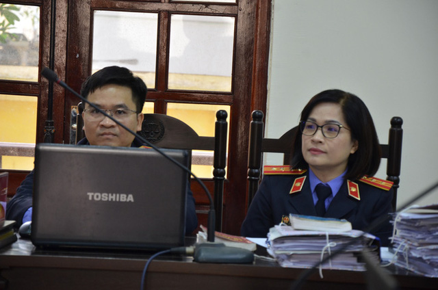 Nữ trưởng đoàn Thanh tra Bộ Xây dựng vòi tiền ở Vĩnh Phúc tóc bạc trắng sau hơn 1 năm bị bắt - Ảnh 7.
