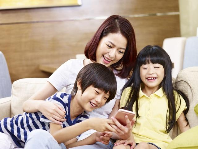 Chuyên gia Đại học Harvard: 4 thời gian đặc biệt trong ngày cha mẹ nên ở bên cạnh con, có thể thay đổi cuộc đời đứa trẻ - Ảnh 3.