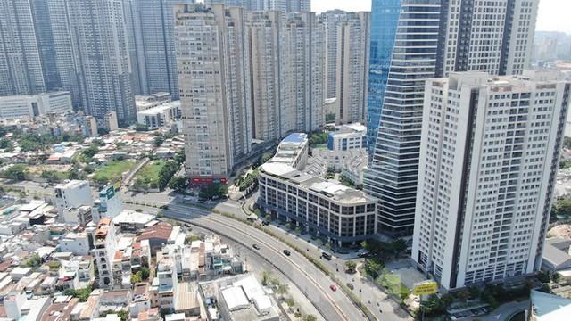 TPHCM hạn chế xây cao ốc ở 7 quận nội thành - Ảnh 1.