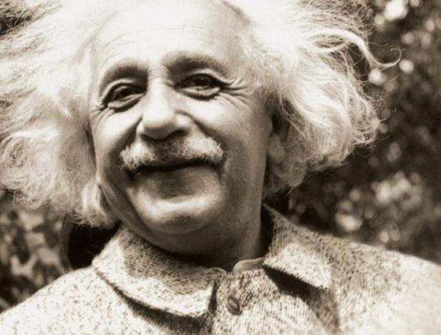 Newton đã làm thế nào để khám phá ra định luật hấp dẫn? Lý giải của thiên tài Einstein khiến ai cũng gật gù: Hóa ra đây chính là thứ duy nhất có thể khiến một người trở nên vĩ đại - Ảnh 1.