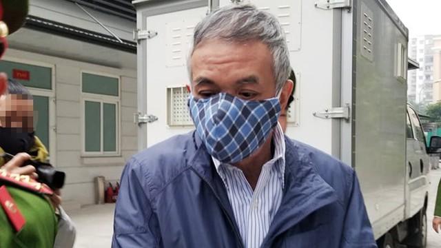 Hoãn phiên xử ông Vũ Huy Hoàng vì vắng mặt 3 bị cáo - Ảnh 2.