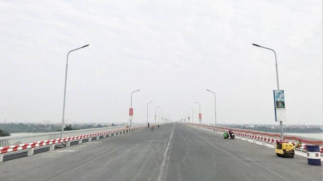 CLIP: Thông xe cầu Thăng Long sau gần 5 tháng sửa chữa  - Ảnh 2.