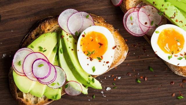 Bữa sáng quan trọng tới mức nào? Bác sĩ dinh dưỡng chỉ ra nguyên tắc vàng để ăn đúng cách và có lợi nhất cho sức khỏe - Ảnh 2.