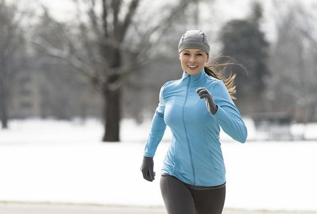 Mùa đông có một KHUNG GIỜ ĐỘC không nên tập thể dục vì dễ gây đột quỵ, đặc biệt có 4 nhóm người cần phải cẩn trọng - Ảnh 3.