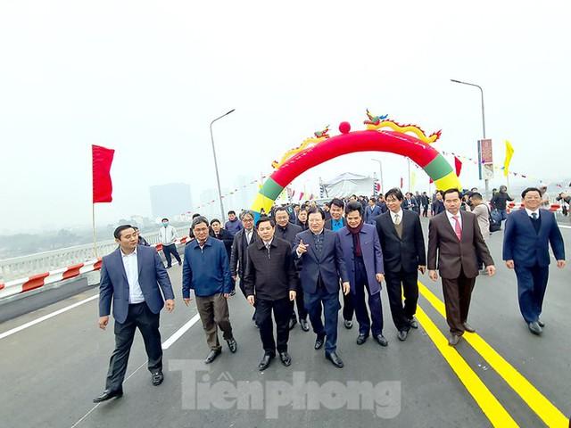 Chính thức thông xe cầu Thăng Long sau 6 tháng dừng hoạt động để sửa chữa - Ảnh 3.
