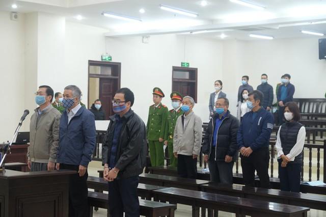 Hoãn phiên xử ông Vũ Huy Hoàng vì vắng mặt 3 bị cáo - Ảnh 6.