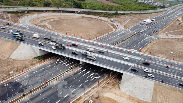 Nút giao Vành đai 3 với cao tốc Hà Nội - Hải Phòng trước ngày thông xe - Ảnh 12.