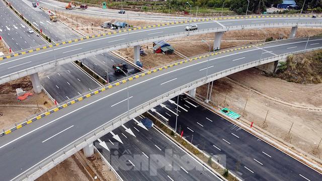 Nút giao Vành đai 3 với cao tốc Hà Nội - Hải Phòng trước ngày thông xe - Ảnh 14.