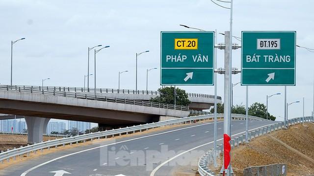 Nút giao Vành đai 3 với cao tốc Hà Nội - Hải Phòng trước ngày thông xe - Ảnh 3.