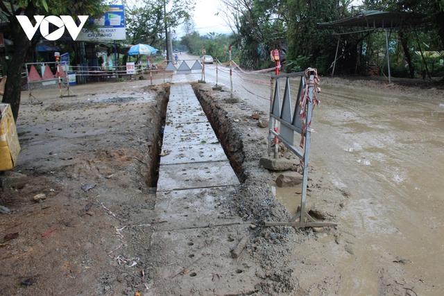 Thi công Quốc lộ 40B ở Quảng Nam ì ạch, đường nham nhở, dân kêu trời  - Ảnh 4.