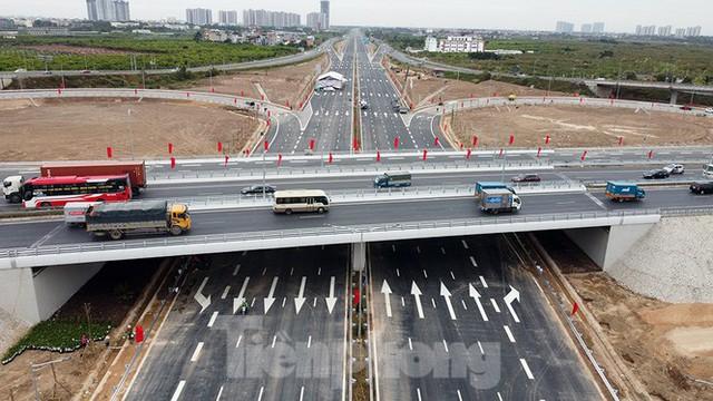 Nút giao Vành đai 3 với cao tốc Hà Nội - Hải Phòng trước ngày thông xe - Ảnh 4.