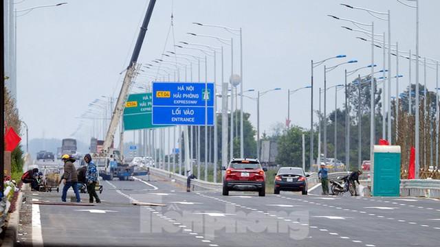 Nút giao Vành đai 3 với cao tốc Hà Nội - Hải Phòng trước ngày thông xe - Ảnh 5.
