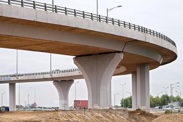 Nút giao Vành đai 3 với cao tốc Hà Nội - Hải Phòng trước ngày thông xe - Ảnh 7.