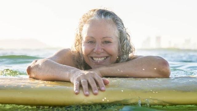 Từ bỏ cuộc sống hối hả xô bồ, nữ nhà văn 50 tuổi tìm về quê hương: Nửa sau cuộc đời tôi muốn ưu tiên cho hạnh phúc! - Ảnh 2.