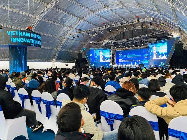 Thủ tướng: Ta tiến, nhưng thế giới chắc chắn không chờ chúng ta. Vì thế phải đổi mới sáng tạo, phải có khát vọng về một Việt Nam hùng cường - Ảnh 2.