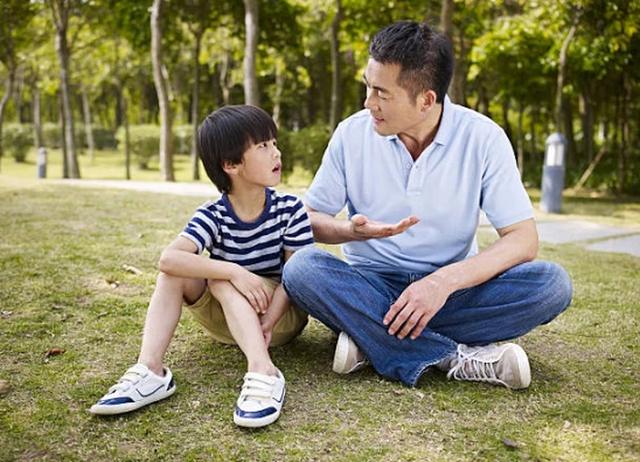 Giáo sư ngành giáo dục bàn về việc dạy dỗ con cái: Ngoài tình yêu thương, bố mẹ cần phải dạy cho con biết kính sợ - Ảnh 4.