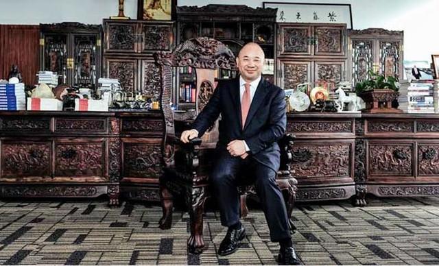 """Con đường làm giàu """"không yên phận"""" của tỷ phú giàu nhất Quảng Đông: Từng ngủ ống cống, nhặt ve chai khi tìm việc, tạo lập thành công bằng tư duy biến sản phẩm thành độc dược - Ảnh 3."""