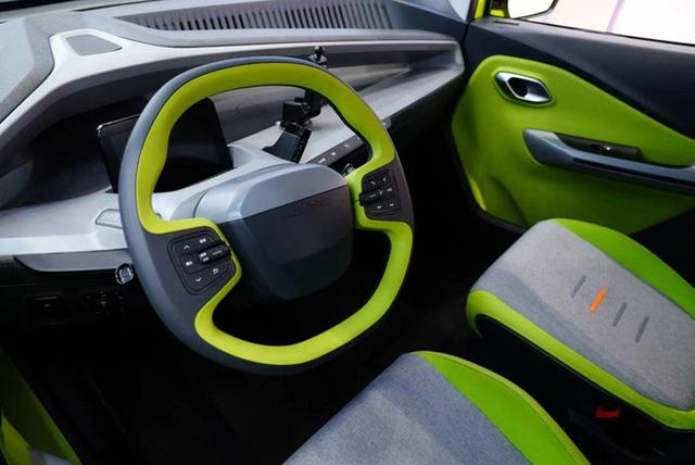 Ô tô điện giá 70 triệu đồng lộ diện, rẻ hơn xe máy ở Việt Nam, đi 305km sạc đầy pin - Ảnh 5.