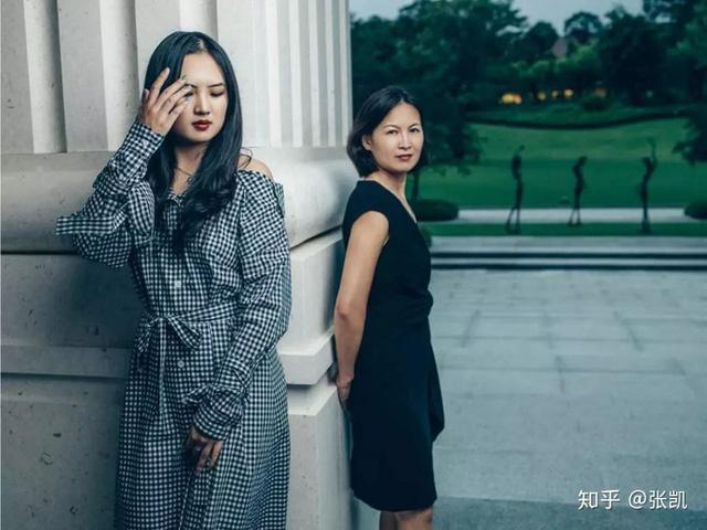 Hai đời vợ của ông trùm Huawei: Người là thiên kim chấp nhận đi cùng khi tay trắng, người là thư ký trẻ đẹp chiếm được trái tim ông chủ - Ảnh 5.
