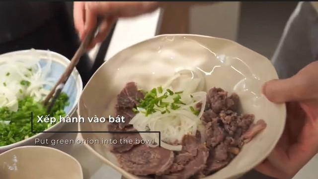 Du khách Thuỵ Sỹ đã có hơn 3 năm gắn bó tại Việt Nam, bật mí về những món ăn Việt Nam làm nức lòng du khách quốc tế - Ảnh 2.