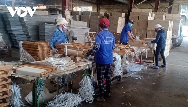 Nhiều doanh nghiệp xuất khẩu gỗ gặp khó - Ảnh 1.