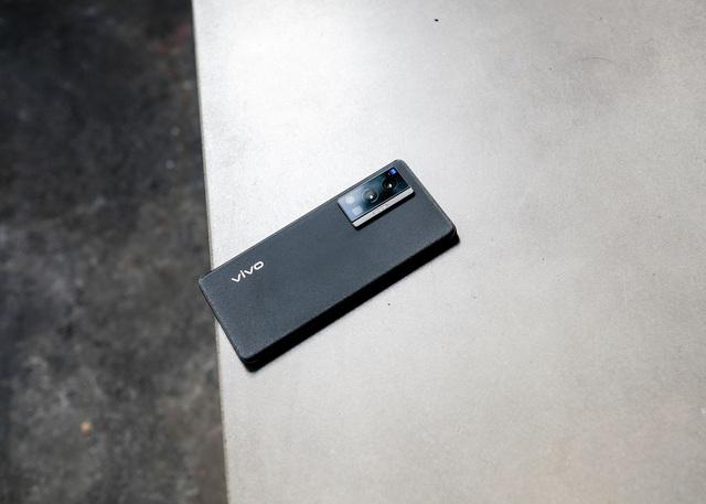 Trải nghiệm Vivo X70 Pro: smartphone đầu tiên tại Việt Nam dùng camera ZEISS T* có đáng mua? - Ảnh 1.