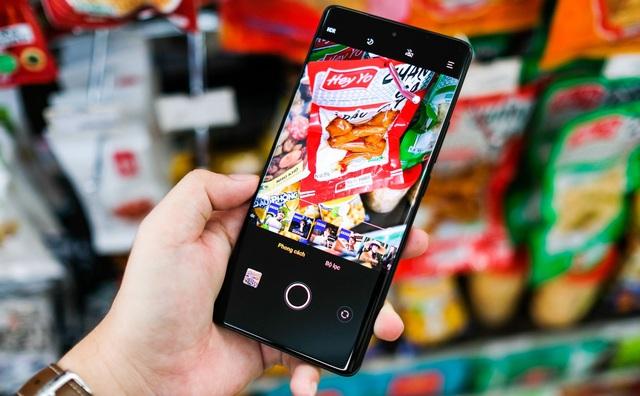 Trải nghiệm Vivo X70 Pro: smartphone đầu tiên tại Việt Nam dùng camera ZEISS T* có đáng mua? - Ảnh 4.