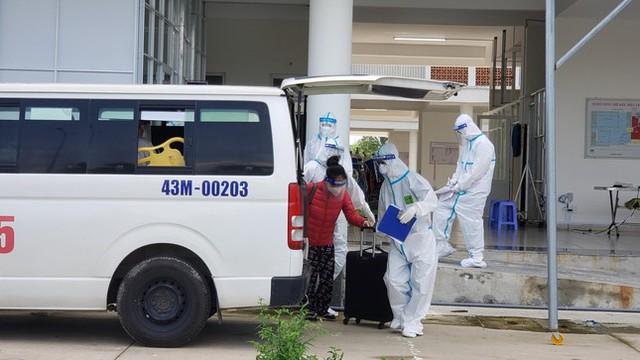 Đà Nẵng đóng cửa bệnh viện dã chiến, chuyển toàn bộ 42 F0 qua Bệnh viện Phổi  - Ảnh 2.