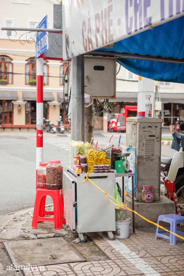 Cuộc sống bình thường mới ở Cần Thơ, nhìn thấy lại những gánh hàng rong trên các con phố mà rung động bao lâu rồi mới nhìn thấy nhau - Ảnh 2.