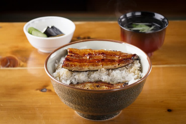 Không phải sữa, đây mới là món ăn được người Nhật ưa chuộng vì cực giàu canxi giúp xương chắc khỏe, chợ Việt Nam bán nhiều  - Ảnh 1.