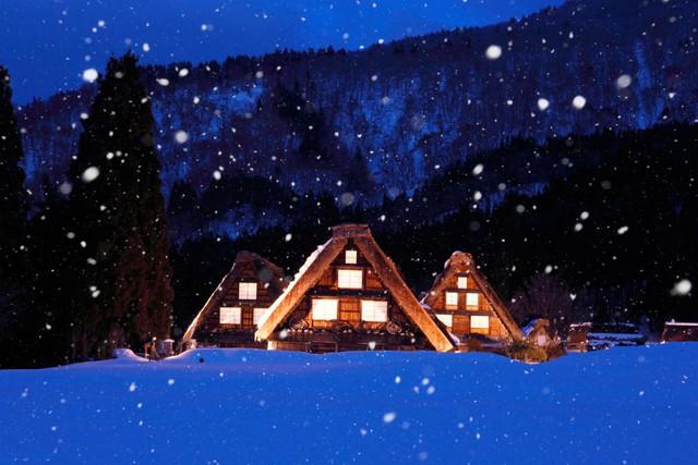 Ngẩn ngơ trước sự quyến rũ của những ngôi nhà mái dốc thuộc ngôi làng đẹp nhất Nhật Bản - Ảnh 14.