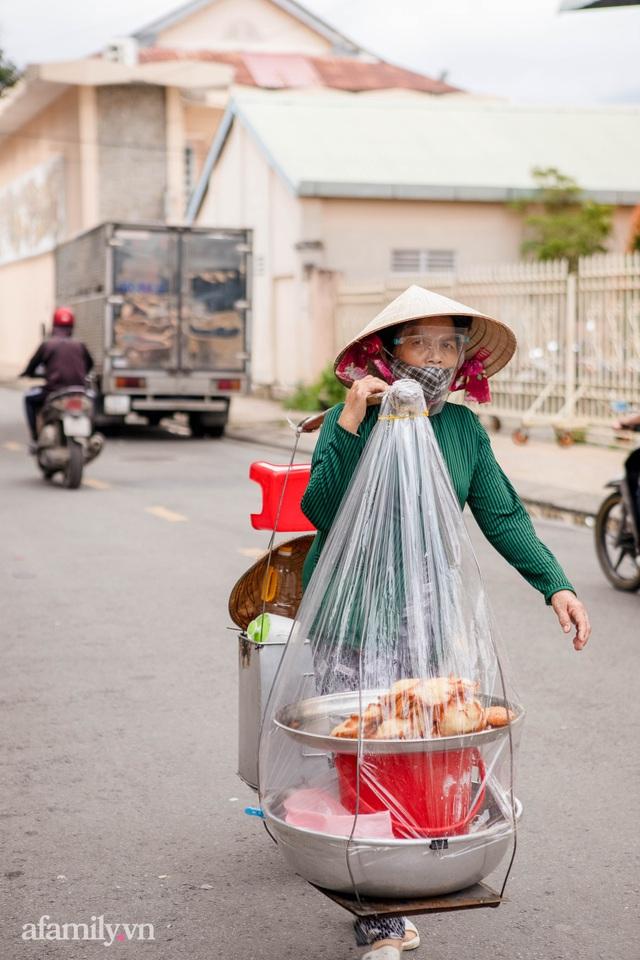Cuộc sống bình thường mới ở Cần Thơ, nhìn thấy lại những gánh hàng rong trên các con phố mà rung động bao lâu rồi mới nhìn thấy nhau - Ảnh 3.