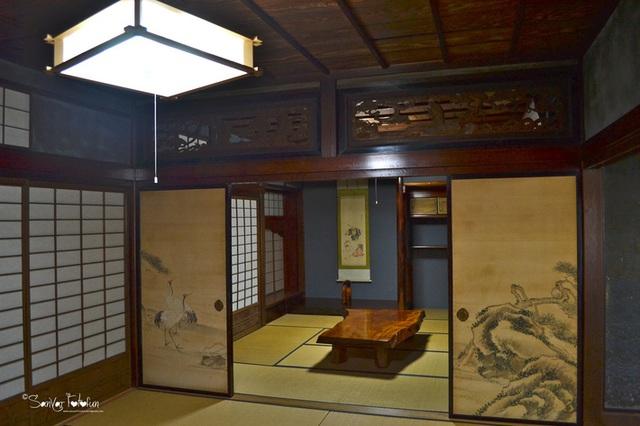 Ngẩn ngơ trước sự quyến rũ của những ngôi nhà mái dốc thuộc ngôi làng đẹp nhất Nhật Bản - Ảnh 24.