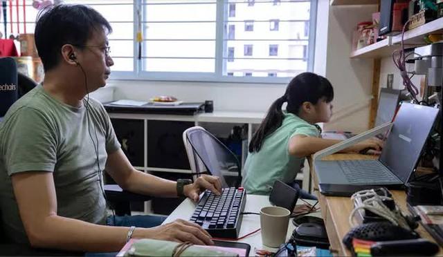 Covid-19: Tiêm đủ 83% dân số, tại sao Singapore vẫn run chân quá mức? - Ảnh 4.