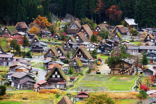 Ngẩn ngơ trước sự quyến rũ của những ngôi nhà mái dốc thuộc ngôi làng đẹp nhất Nhật Bản - Ảnh 37.
