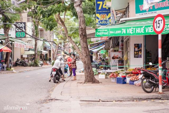 Cuộc sống bình thường mới ở Cần Thơ, nhìn thấy lại những gánh hàng rong trên các con phố mà rung động bao lâu rồi mới nhìn thấy nhau - Ảnh 6.