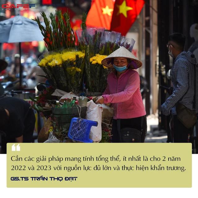 GS.TS Trần Thọ Đạt: Đỉnh dịch đã qua, nền kinh tế đã tạo đáy - Ảnh 1.