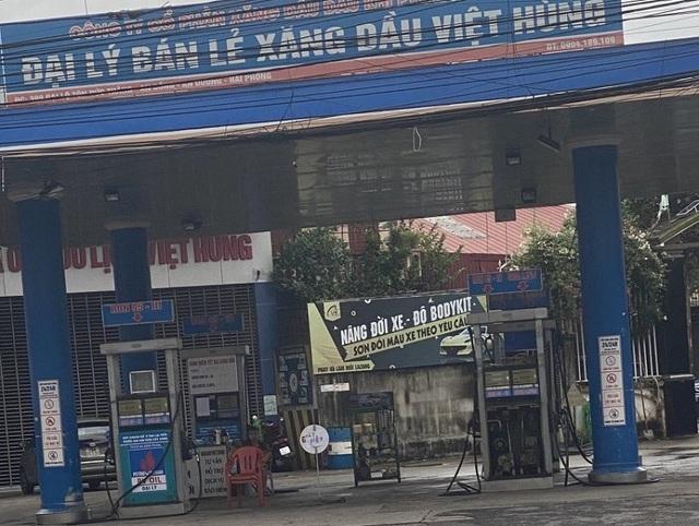 Phạt cây xăng ở Hải Phòng treo biển mất điện, chỉ bán không quá 50.000 đồng/xe - Ảnh 1.