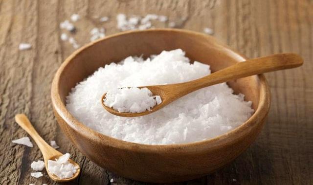 Viêm da cơ địa hành hạ trẻ nhỏ vào mùa thu đông: Chuyên gia chỉ ra bài thuốc trị dứt điểm, nguyên liệu có sẵn trong bếp, vừa rẻ lại hiệu quả - Ảnh 3.