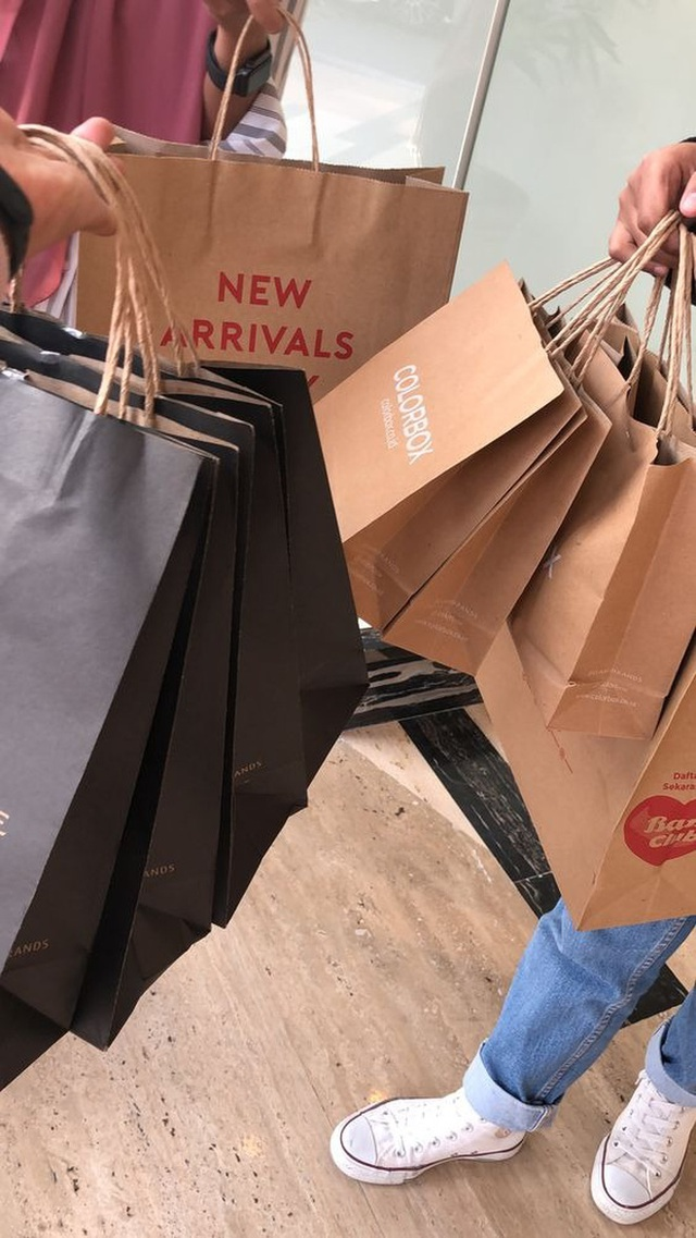 Có 1 hội chứng tâm lý đang chi phối cách bạn mua sắm: Hết lần này tới lần khác không thể cưỡng lại, tiền cứ đội nón ra đi và bạn mãi nghèo - Ảnh 5.