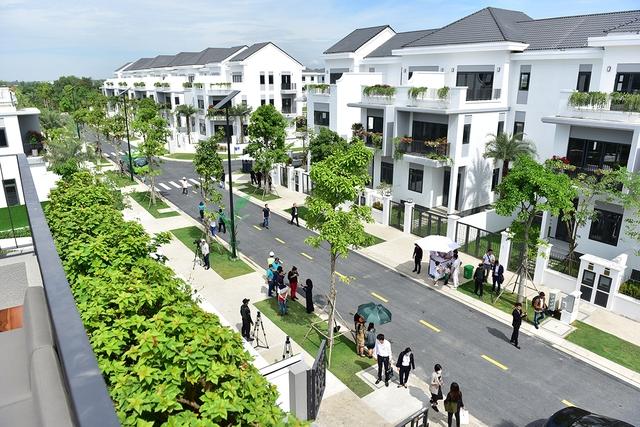 Giá nhà phố, biệt thự Hà Nội và Tp.HCM tiếp tục tăng - Ảnh 2.