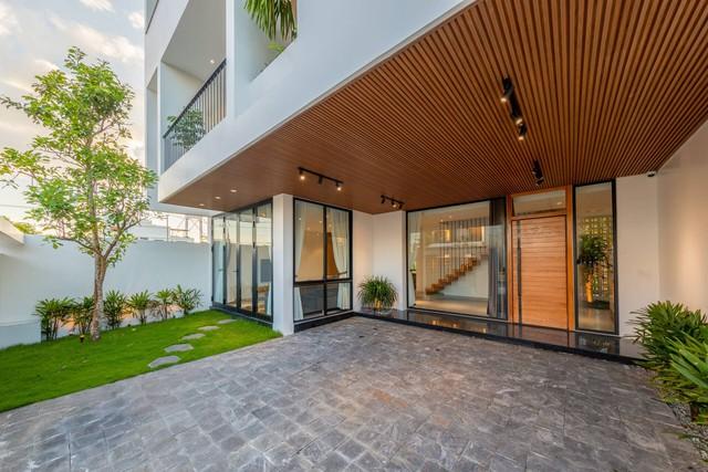 Căn nhà thứ hai 4,5 tỉ đồng tuyệt đẹp ở Đà Nẵng của đại gia Hà Nội chỉ dành riêng cho các kỳ nghỉ - Ảnh 2.