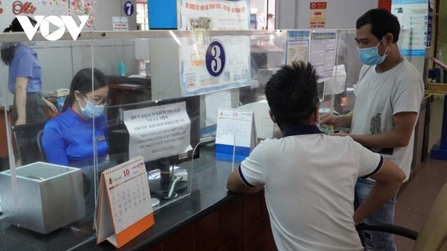 """Hàng không, đường sắt """"cháy"""" vé chặng Hà Nội – TPHCM - Ảnh 2."""