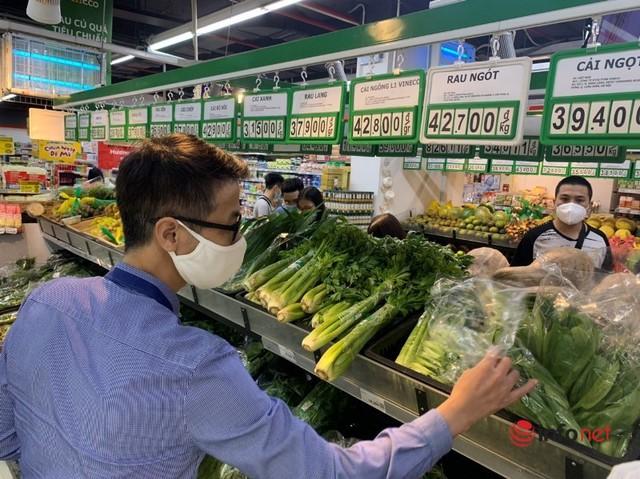 Hà Nội: Rau xanh tăng giá 'chóng mặt', đi chợ hoa mắt vì giá - Ảnh 3.