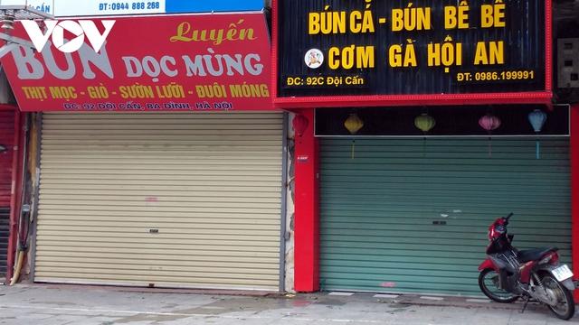 Nhà hàng, quán cà phê ở Hà Nội nhộn nhịp đón khách ăn uống tại chỗ - Ảnh 16.