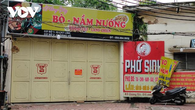 Nhà hàng, quán cà phê ở Hà Nội nhộn nhịp đón khách ăn uống tại chỗ - Ảnh 17.