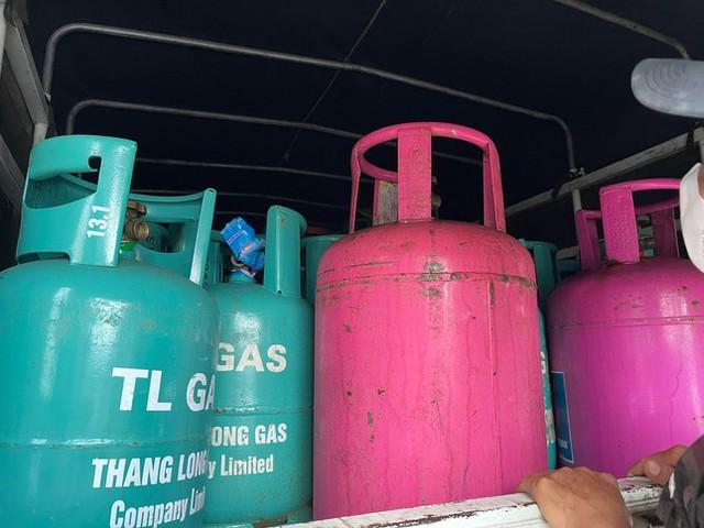 Phá đường dây sang chiết, tiêu thụ hơn 500 tấn gas lậu ở Hải Dương - Ảnh 3.