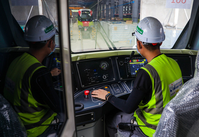 Cận cảnh 10 đoàn tàu tuyến Metro Nhổn - ga Hà Nội sẵn sàng chạy thử nghiệm  - Ảnh 5.